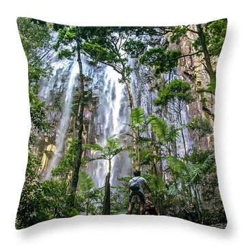 Mossy Throw Pillows