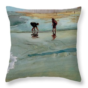 Jacksonville Shell Hunt Throw Pillow