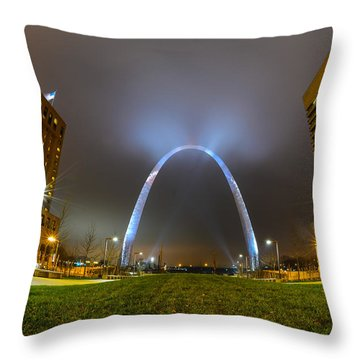 Jefferson Expansion Memorial Gateway Arch Throw Pillow