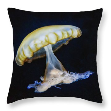 Throw Pillow featuring the photograph Jellyfish No. 1 by Alan Toepfer