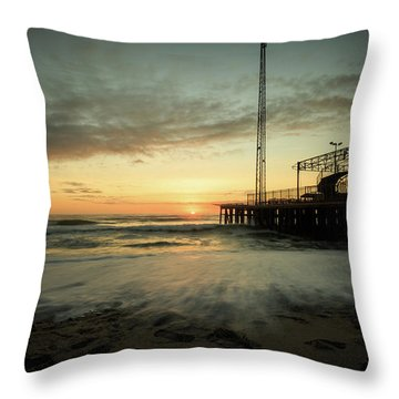 Jersey Shore Sunrise In Winter Throw Pillow