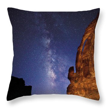 Jug Handle Arch And The Milky Way Throw Pillow