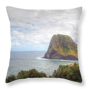 Kahakuloa Head Throw Pillow