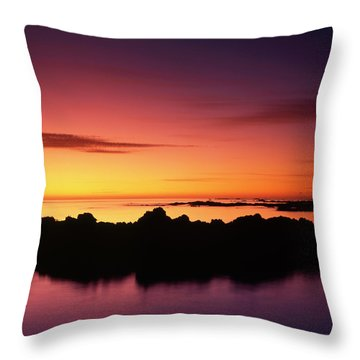 Kaikoura Sunrise, New Zealand. Throw Pillow