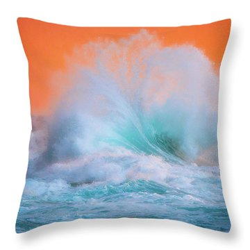 Ke'e Fan Wave Throw Pillow