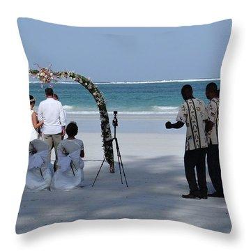 Exploramum Throw Pillows