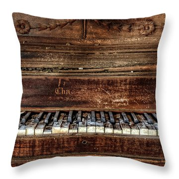 Throw Pillow featuring the photograph Keyless by Ken Smith
