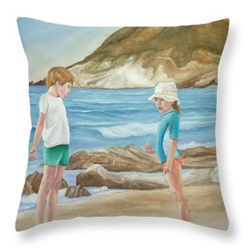Kids Collecting Marine Shells Throw Pillow