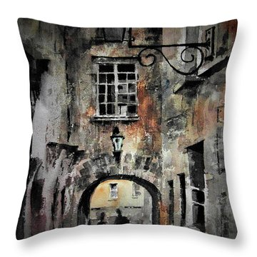 F 725 Kilkenny Butterslip  Throw Pillow