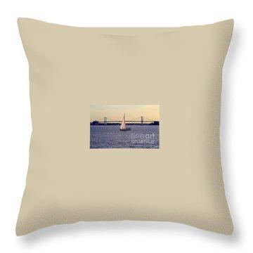 Kings Point, Usmma Throw Pillow