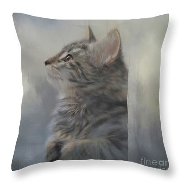 Kitten Zada Throw Pillow