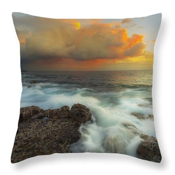 Throw Pillow featuring the photograph Kona Rush Hour by Ryan Manuel