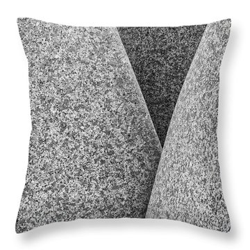 Kontinuitat By Max Bill. Throw Pillow
