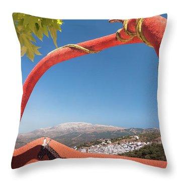 La Maroma Throw Pillow
