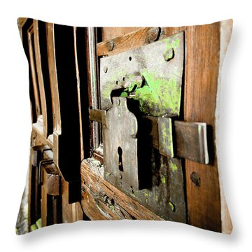 La Porta Chiusa Throw Pillow