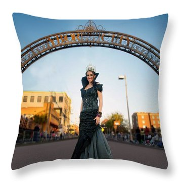Throw Pillow featuring the photograph La Reina The Queen by Steve Sperry