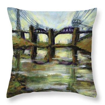 La River 6th Street Bidge Throw Pillow