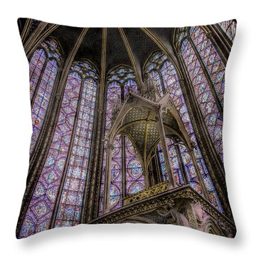 Paris, France - La-sainte-chapelle - Apse And Canopy Throw Pillow
