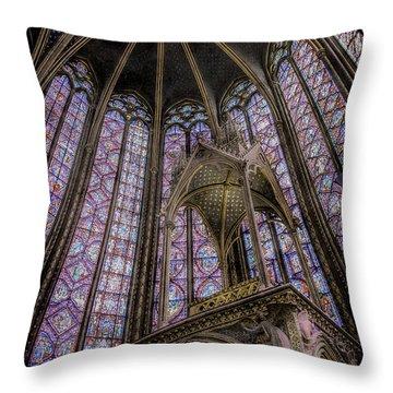 Paris, France - La-sainte-chapelle - Apse And Canopy Throw Pillow