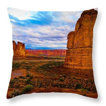 La Sal Daylight Throw Pillow
