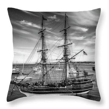 Lady Washington In Black And White Throw Pillow