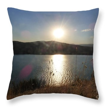Lake Roosevelt Sun Throw Pillow