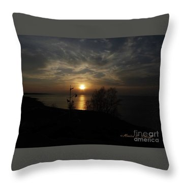 Landscapes L59 Throw Pillow