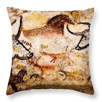 Lascaux Hall Of The Bulls - Deer And Aurochs Throw Pillow