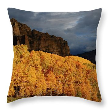Late Afternoon Light On The Cliffs Near Silver Jack Reservoir In Autumn Throw Pillow by Jetson Nguyen