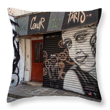 Le Coeur De Paris Throw Pillow