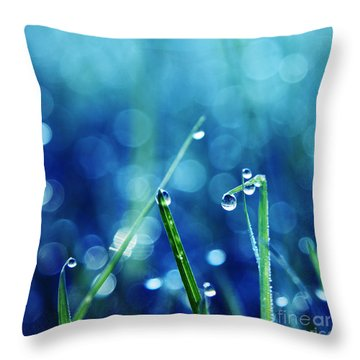Le Reveil Throw Pillow