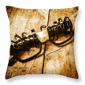 Spectacles Throw Pillows