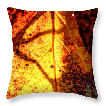 Leaf Light Throw Pillow