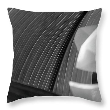 Leaf Texture Throw Pillow