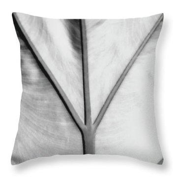 Leaf1 Throw Pillow