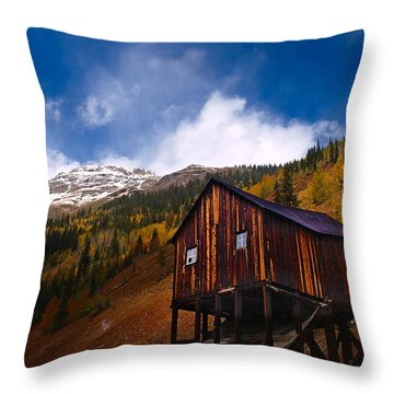 Leaving Silverton Throw Pillow
