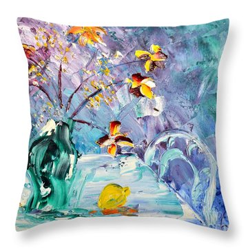Lemon For Tea Throw Pillow