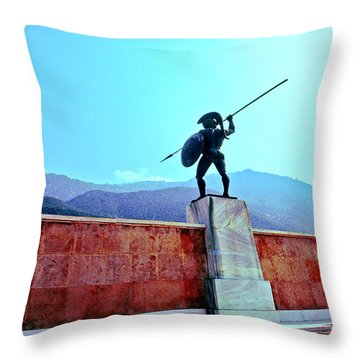 Leonidas At Thermopylae Ver 4 Throw Pillow