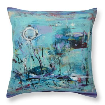 Les Sauterelles S'endorment Throw Pillow