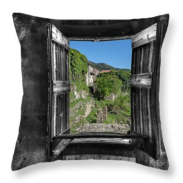 Let's Open The Windows - Apriamo Le Finestre Throw Pillow