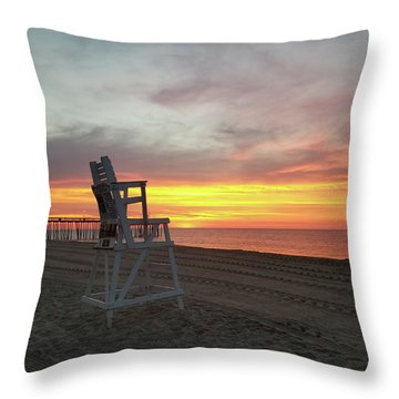 Lifeguard Stand On The Beach At Sunrise Throw Pillow