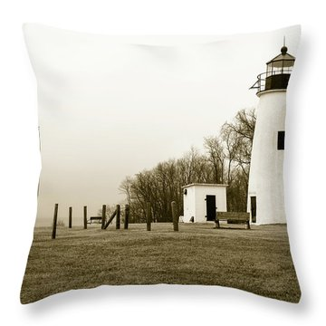 Lighthouse At Turkey Point Throw Pillow