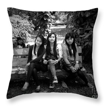 Like, Don't Like...don't Know Throw Pillow