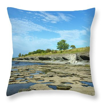 Throw Pillow featuring the photograph Limestone Coast Patterns by Kennerth and Birgitta Kullman