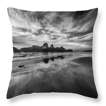 Lines In The Sand At Seal Rock Throw Pillow