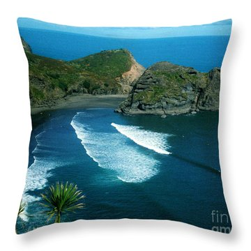 Lion Beach Piha New Zealand Throw Pillow