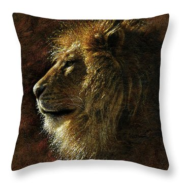 Lion Portrait - His Majesty Throw Pillow