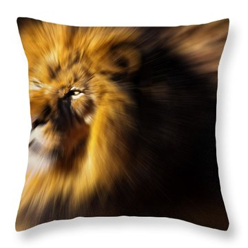 Lion The King Is Comming Throw Pillow