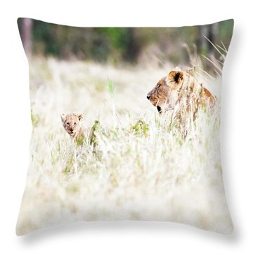 Lioness With Baby Cub In Grasslands Throw Pillow