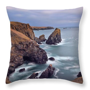 Lions Rock Near Kynance Throw Pillow